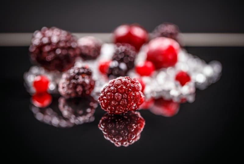 פירות קפואים - אוכמניות אדומות קפואות